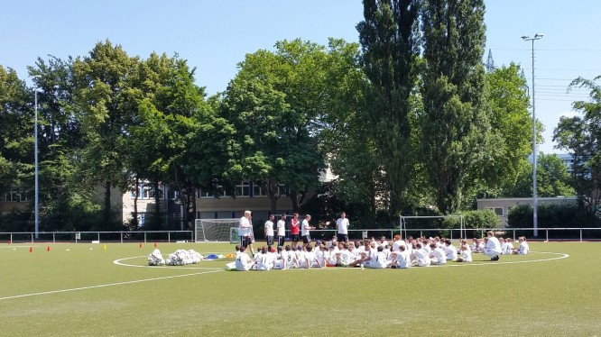 Real Madrid Foundation Clinics Germany - Traineransprache