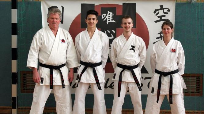 Trainer und Gruppenleiter Karate