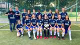 U17-Juniorinnen bedanken sich beim KFZ-Meisterbetrieb Kowalski